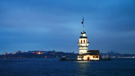 isztambul : Maiden island in Istanbul, Turkey at sunset time