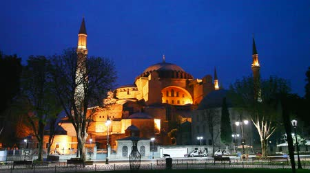 isztambul : Hagia Sophia in Istanbul, Turkey early in the night
