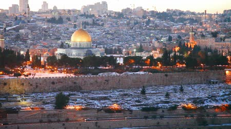 jerozolima : Overview of Old City in Jerusalem, Israel with The Golden Dome Mosque Wideo