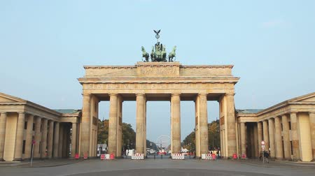 berlino : Brandenburg Gate (Brandenburger Tor) a Berlino, Germania all'alba