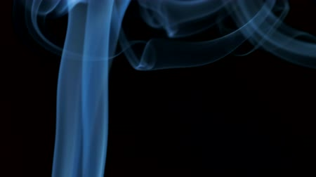 mystik : Blue smoke blowing from bottom to top. Dostupné videozáznamy