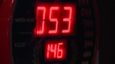 főnyeremény : red numbers , slot machines.