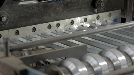 florete : inside a packing machine on a metal factory