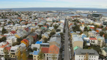 hallgrimskirkja : calm cityscape of Reykjavik, top view in autumn day, view from famous church Hallgrimskirkja Stock Footage