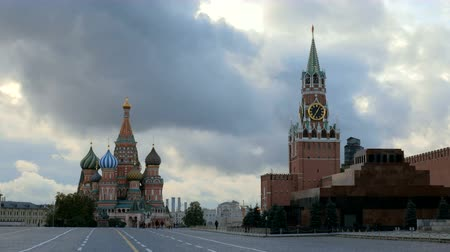 lenin : St Basils Cathedral on a Red square in Russia, towers and walls of Kremlin Stock Footage