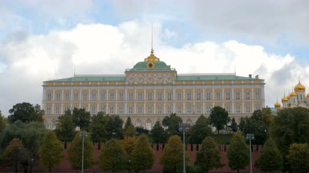 kreml : clouds are over Grand Kremlin Palace in daytime, Moscow, Russia