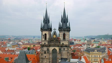 čeština : view of tops of Church of Mother of God before Tyn in old town Prague in daytime