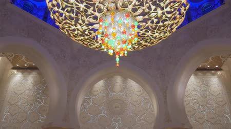 grand mosque : ABU DHABI, U.A.E. - JAN, 2018: Sheikh Zayed Grand Mosque, interior of huge praying room
