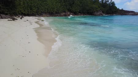 praslin : Secyhelles Mahe island waves, indian ocean and paradise nature in one shot