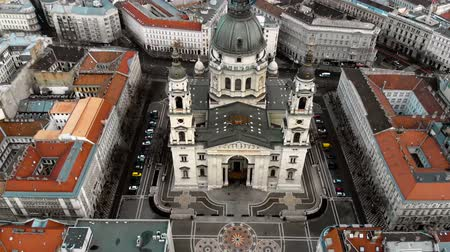 キューポラ : Budapest cityscape and dome of St. Stephens Cathedral. Aerial view, 4k drone. 動画素材