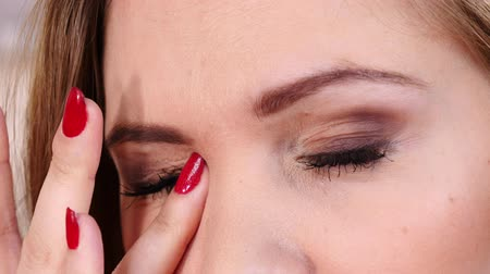 alergia : Close up of woman rubbing her eyes Stock Footage
