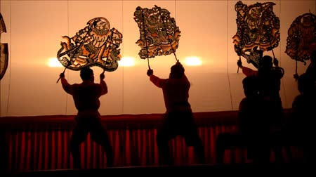 tajlandia : Nang Yai Puppets Shadow Play at Wat Khanon National Museum, Ratcha Buri Thailand