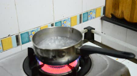 cooking pots : Prepare water boiled for Cooking