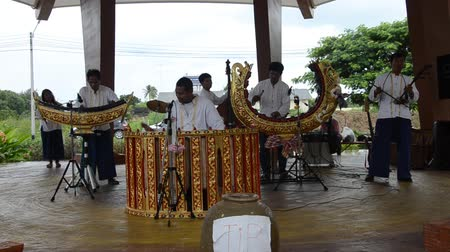 enstrümanlar : Thai people play traditional thai musical instruments concert