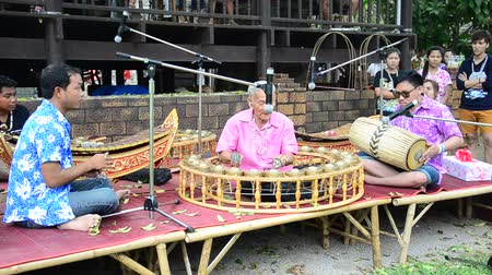 ratchaburi : Thais play traditional thai musical instruments concert show for travellers at Wat Khanon on April 14, 2015 in Ratchaburi Thailand.