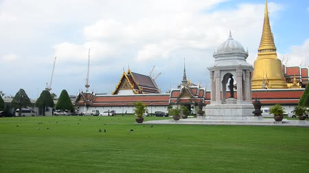 kaew : View landscape of Wat Phra Kaew Temple of the Emerald Buddha or Wat Phra Si Rattana Satsadaram in Bangkok, Thailand
