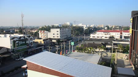 автобус : Landscape and cityscape with traffic road of Lampang city in morning time in Lampang, Thailand Стоковые видеозаписи