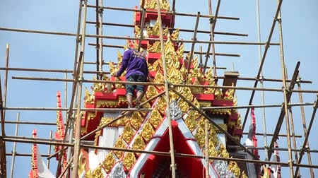 ひも : Asian thai worker people renovate and repair restore chedi at Wat Muang temple in Ang Thong, Thailand