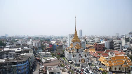 acele : Aerial view of Landscape and cityscape with traffic road at Hua Lamphong of Bangkok city in Bangkok, Thailand Stok Video