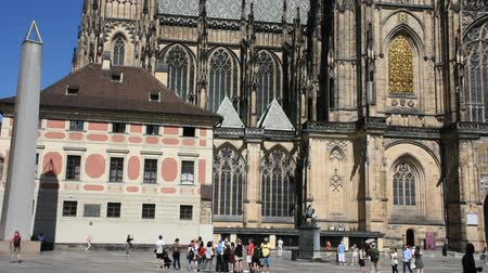 mala : Czechia people and foreigner travelers walking for visit and travel at Prague castle in Prague, Czech Republic Vídeos