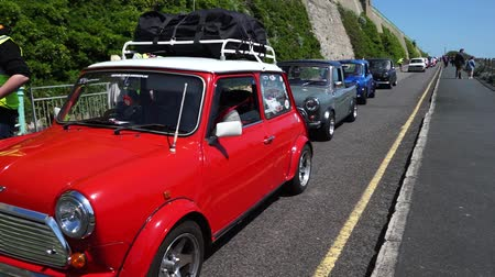 veterano : Brighton, UK - May 17, 2015: London to Brighton Mini Car Run. This annual event is organised by the London and Surrey Mini Owners Club.