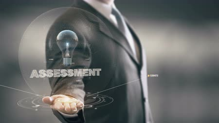 avaliação : Assessment with bulb hologram businessman concept