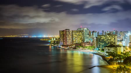 waterkant : Time Lapse - Skyline van Waikiki Beach, Honolulu, Oahu, Hawaii Night