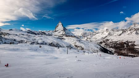 esqui : Zermatt Ski Resort and Matternhorn Peak, Time-lapse, Zermatt, Switzerland Stock Footage