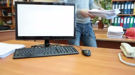 masaüstü : Office employer with large amount of work bringing on desk Stok Video