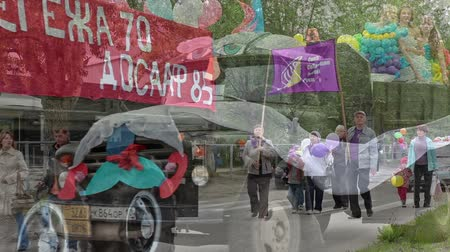desfile : Segezha. Karelia. City Day. Celebrating the 70 th anniversary. The movement of the column to the center of town