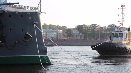 hawser : ST. PETERSBURG, RUSSIA - SEPT, 21, 2014: Bow of the Aurora cruiser with ropes, St. Petersburg, Russia