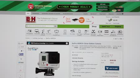 e ticaret : MOSCOW, RUSSIA - CIRCA DEC, 2014: Buying GoPro camera in B&Hphotovideo.com. The B&H Photo Video is the largest non-chain photo and video equipment store in the United States.
