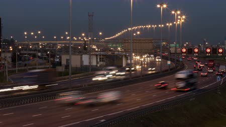 yol kenarı : Time lapse of St. Petersburg ring road at twilings. Russia. Part at the south of city. Lighting is turning on Stok Video