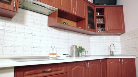 mutfak malzemesi : Brown and white domestic kitchen, nobody