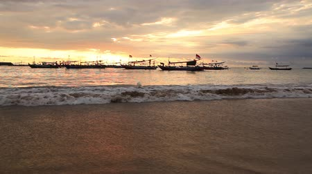 bratan : Sunset on the beach of Jimbaran. Bali