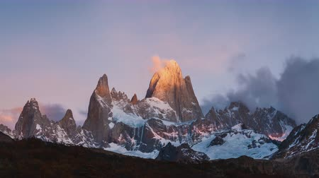 buzul : Mount Fitz Roy at dawn. Argentina, Patagonia. Stok Video