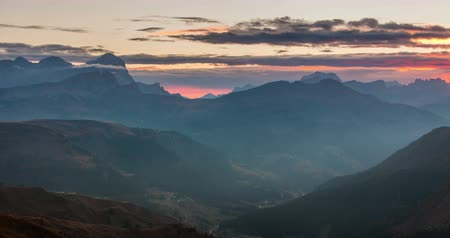 Timelapse of beautiful sunrise from Passo Pordoi. Dolomites, Italy Стоковые видеозаписи