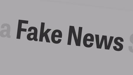 máquina de escrever : Tallinn  Estonia - June 16, 2019: Fake news concept. Fake News and Social Media. Can be used as illustrative for other social media.