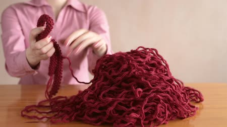 undo : Finishing unravelling the knitting