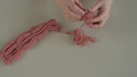 undo : Unravelling the terracotta knitting