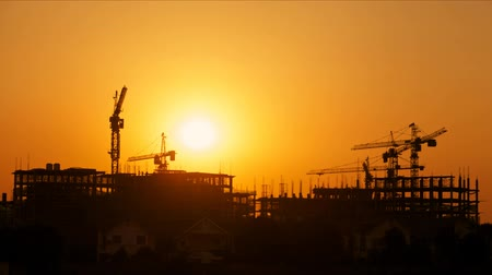 trabalho : Construction site at sunset, time lapse