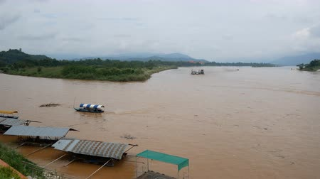 mianmar : Mekong River In The Golden Triangle At Chiang Rai, Thailand.