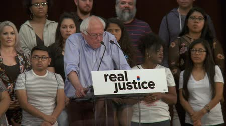 rali : CRIMINAL JUSTICE REFORM. Bernie Sanders calls for real reform. June 2nd, 2018 at the Rally for Justice in downtown Los Angeles, California.
