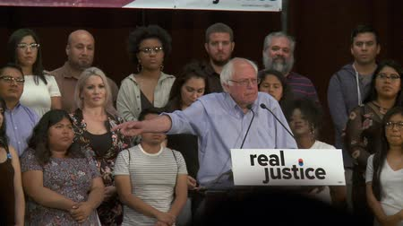 rali : Municipal Fines. Bernie Sanders says failure to pay shouldnt equal jail time. June 2nd, 2018 at the Rally for Justice in downtown Los Angeles, California.