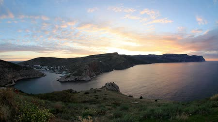 Украина : 4K. Timelapse sunrise in the mountains. Balaklava, Crimea, Ukraine. FULL HD, 4096x2304. Стоковые видеозаписи