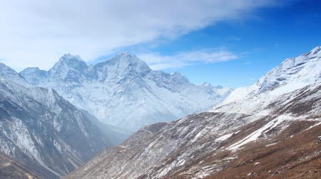 морозный : Movement of the clouds on the mountains Thaog, Himalayas, Nepal. FULL HD