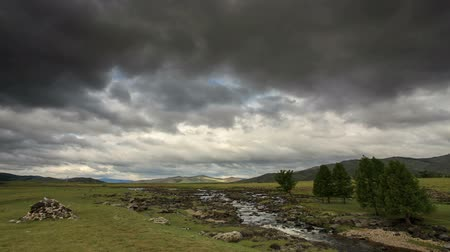moğolistan : Clouds above the Ulaan river, Mongolia. Full HD