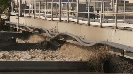 устойчивость : Shot of a waste water treatment facility of sewage waters