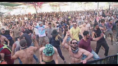 félrebeszél : KINERET, ISRAEL, April 6 2018- People dancing in a nature trance party
