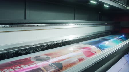 impressão digital : Large format printer printing high quality graphics at high speed